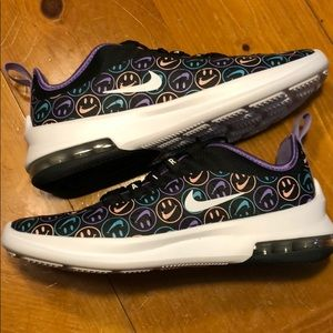 Nike Air Max Axis Have a Nike Day Size 8.5 NEW